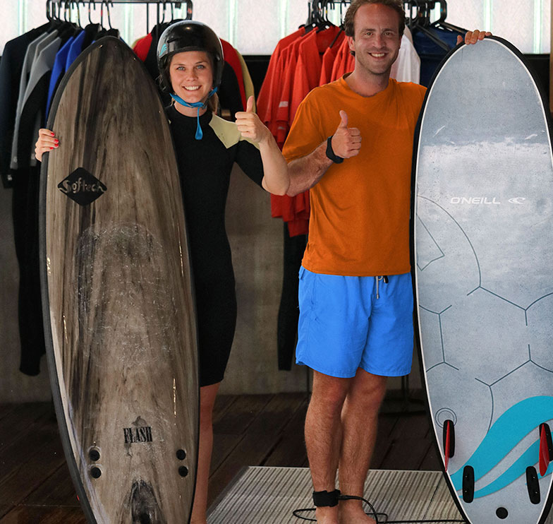 Christopher Conze et Mia Weirst de Regiondo testent la nouvelle vague artificielle Citywave Surfpool